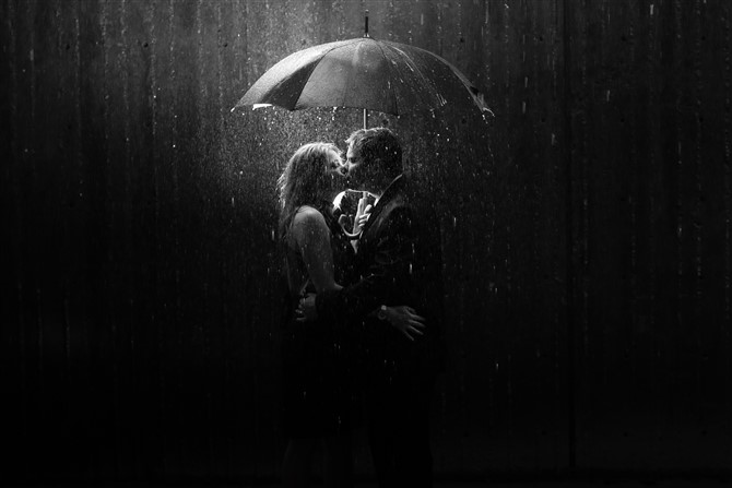 Couple Photos - Romantic - Rain