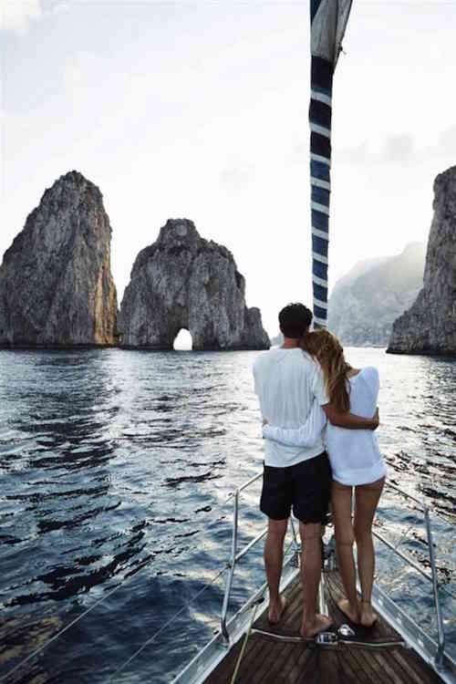 Couple Photos - Romantic - Boat
