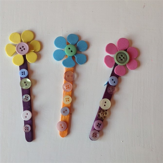 Mothers Day Crafts For Kids - Button Bookmarks