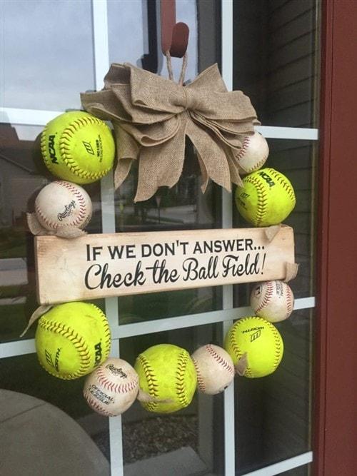 Gift Ideas For Grandparents - DIY Baseball Wreath