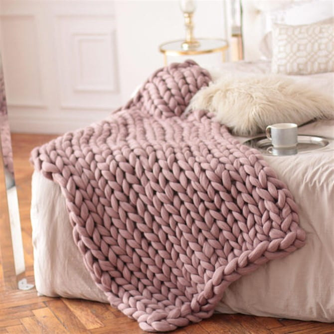 Christmas Present Ideas 2017 - Chunky Knit Blanket