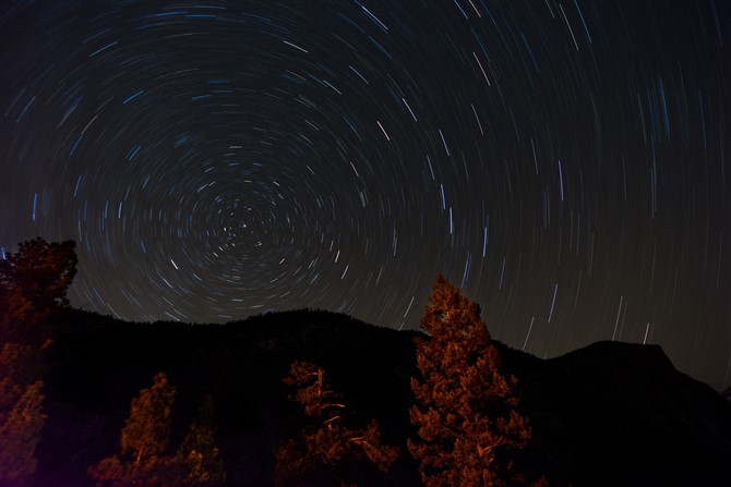 How To Photograph The Night Sky - Create Star Trails