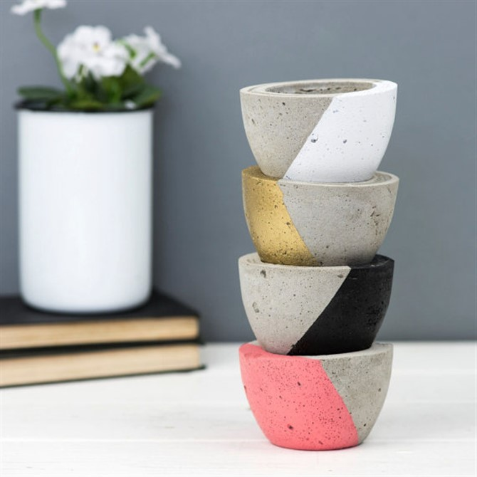 Housewarming Gift Ideas - Geometric Concrete Planter
