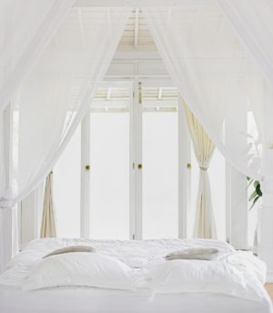 white hangings bed